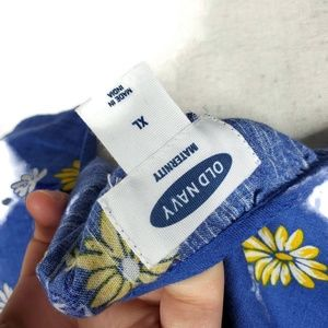 Old Navy Tops - Old Navy Maternity XL Blue Floral Daisy Top